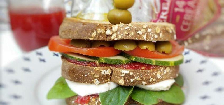 Sandwich Caprese con mermelada de tomate 01 pazladeando