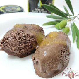 Helado cremoso de chocolate negro con jalea de aove 01 pazladeando