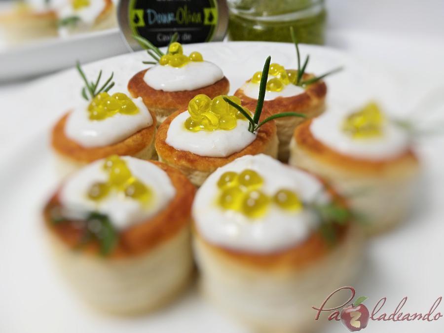 mini volovanes de tomate trufado con brandada de bacalao y caviar de aove pazladeando (1)