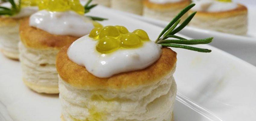 mini volovanes de tomate trufado con brandada de bacalao y caviar de aove pazladeando (4)