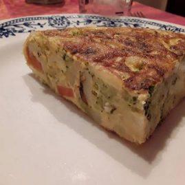 Tortilla de patatas y brócoli por Dedeiro