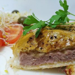 Hamburguesas en hojaldre con queso de cabra y cebolla caramelizada pazladeando (2)
