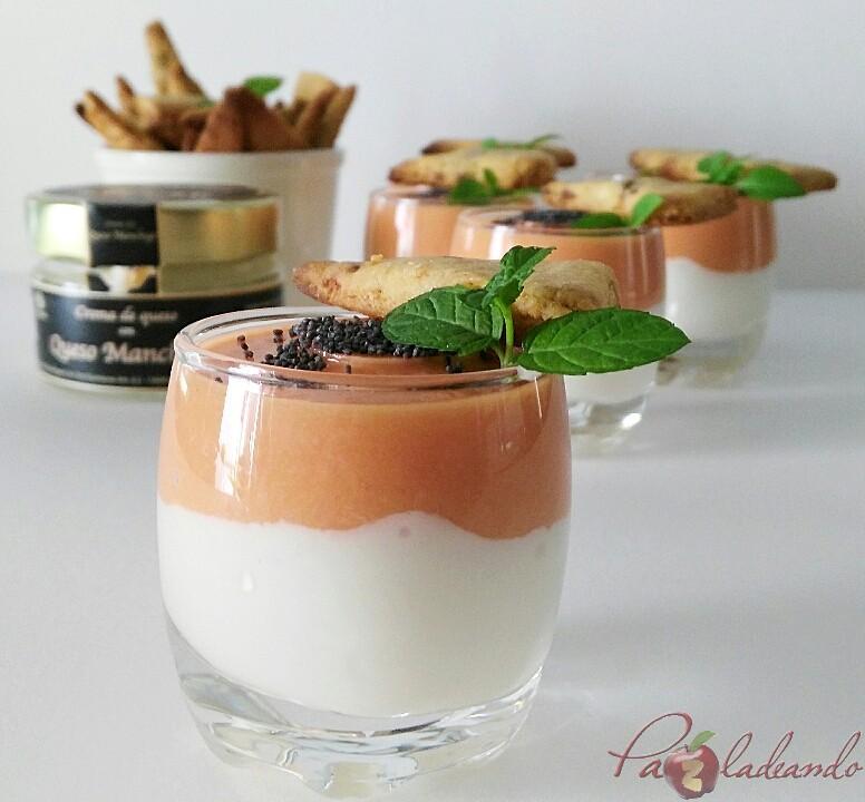 chupitos de crema de queso curado con salmorejo y sable crujiente de anchoa (3)