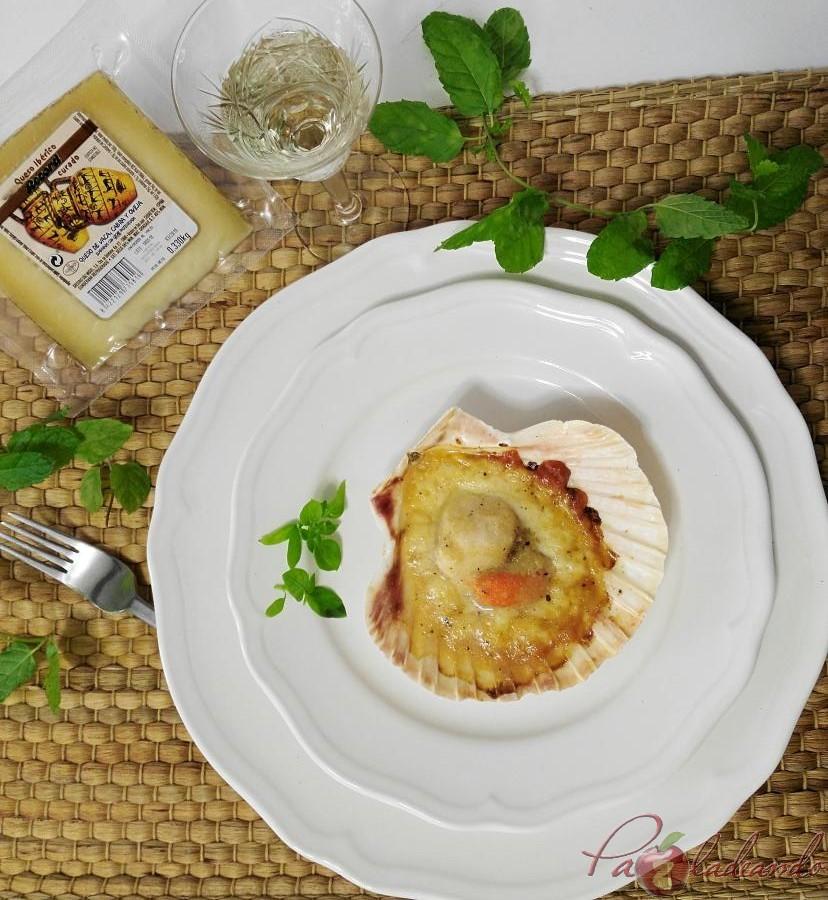 Vieiras con queso manchego y gelée de limóm, aove y trufa PaZladeando (1)