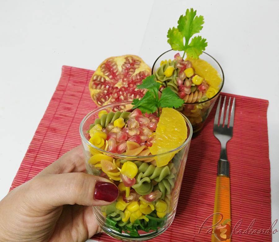 Ensalada antioxidante de pasta multi vegetales con fruta PaZladeando (4)
