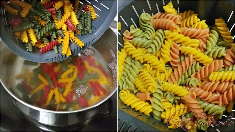 Ensalada antioxidante de pasta multi vegetales con fruta Paso (3)