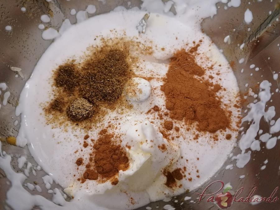 Arroz con leche de coco y fruta paso